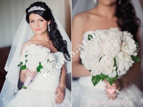 Свадебные прически на один бок с фатой фото
